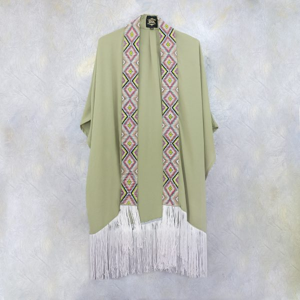 Kimono largo con tira gruesa de chaquira verde