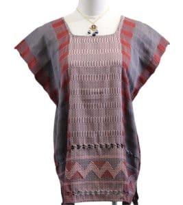 Blusa en telar gris roja