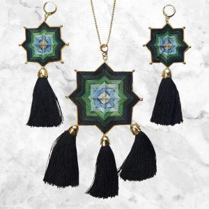 Juego de collar y aretes estilo mandala Negro Verde