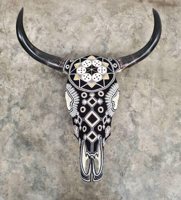 Cabeza de vaca estambre blanca negra
