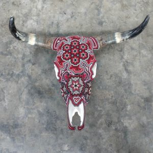 Cabeza de vaca decorada roja
