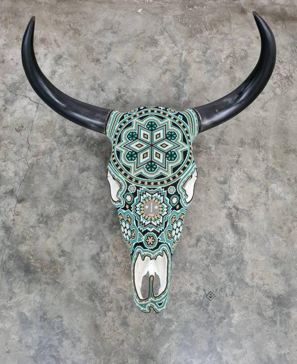 Cabeza de vaca decorada verde